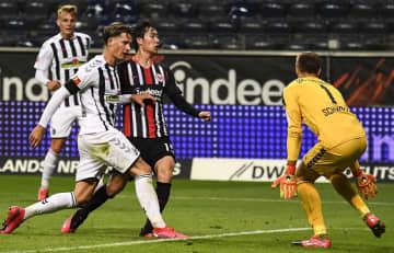 サッカー、鎌田がリーグ初得点 ドイツ1部、試合は引き分け 画像1