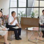 長崎原爆資料館で行われた対談。右は長崎市の田上富久市長=30日、長崎市