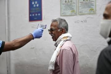 インド、全土封鎖を段階的解除へ 新型コロナ、感染拡大続く懸念も 画像1