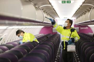 LCCピーチ、コロナ対策を公開 機内換気や消毒作業、関西空港で 画像1
