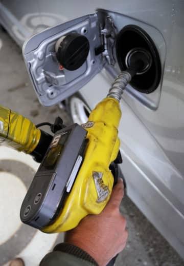 ガソリン、4週連続で値上がり 128円70銭、経済活動が再開 画像1
