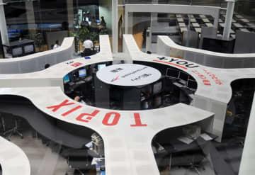 東証大幅続落、774円安 経済回復の遅れに懸念 画像1