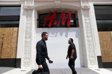 H&M、売上高半減 3~5月、新型コロナで 画像1