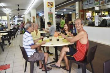 シンガポール経済、本格的に再開 小売店の営業、外食も解禁 画像1