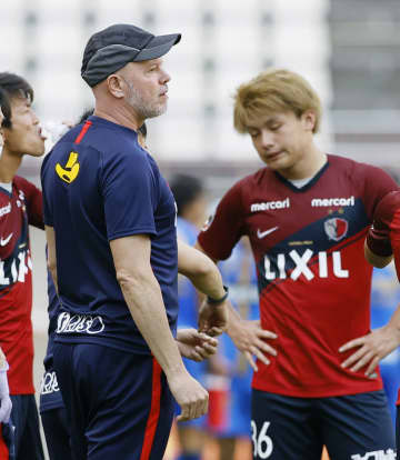 J1鹿島、ガイドライン運用確認 カシマスタジアムで練習試合公開 画像1