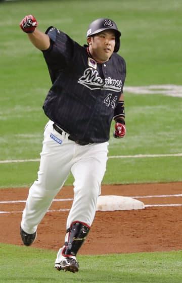 ソ1―5ロ(21日) ロッテの井上が満塁本塁打 画像1