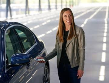 アイフォーン、車の鍵に アップル、BMW対応へ 画像1