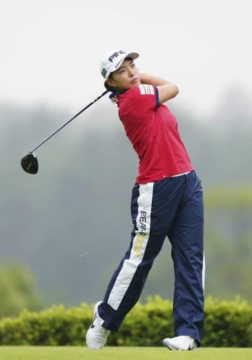 宮崎ら66、鈴木2打差7位 渋野72、女子ゴルフ開幕戦 画像1