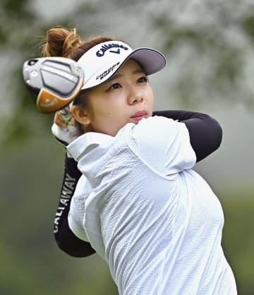 女子ゴルフ、21歳田中が首位 鈴木ら2位、渋野は予選落ち 画像1