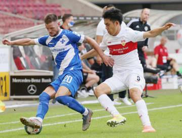 サッカー、遠藤はフル出場 ドイツ2部、チーム1部復帰 画像1