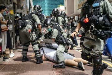 香港国家安全法で初逮捕 1万人抗議デモ、370人拘束 画像1