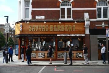 英国のパブやレストラン再開 3カ月半ぶり、経済活発化なるか 画像1