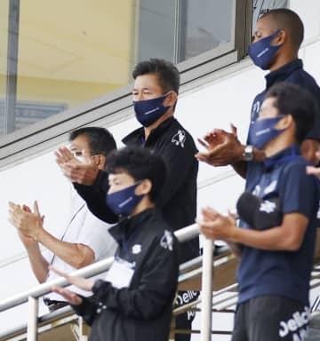 53歳のカズはベンチ外 横浜FC―札幌 画像1