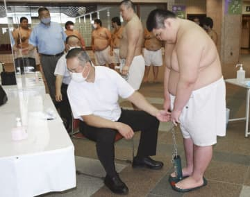 新弟子検査、全員が基準満たす 7月場所、鈴木千晴ら10人受検 画像1