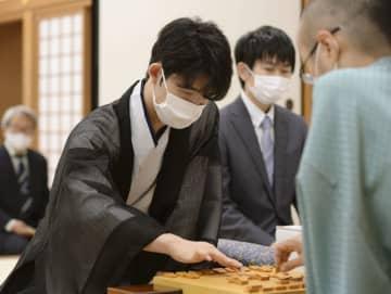 藤井七段、最年少奪取に挑む 将棋の棋聖戦5番勝負の第4局 画像1