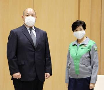 八角理事長、小池都知事と面会 大相撲7月場所開催を報告 画像1