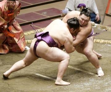 白鵬、朝乃山が連勝スタート 大相撲7月場所2日目 画像1