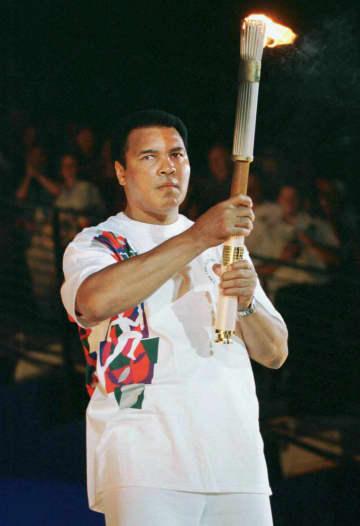 ムハマド・アリさんのトーチ寄贈 IOCバッハ会長「五輪の象徴」 画像1