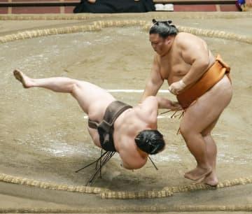 大相撲、白鵬が連敗し2敗目 1敗トップは朝乃山と照ノ富士 画像1