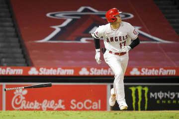 大リーグ、大谷が2号3点本塁打 筒香は代打で空振り三振 画像1