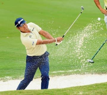 松山英樹、22位に浮上 世界選手権ゴルフ第3日 画像1