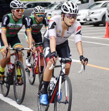 自転車の橋本、完走逃し反省 実業団のロードレースに出場 画像1
