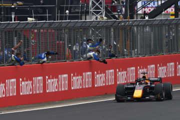 自動車レースF2、角田が初勝利 ホンダの育成ドライバー 画像1