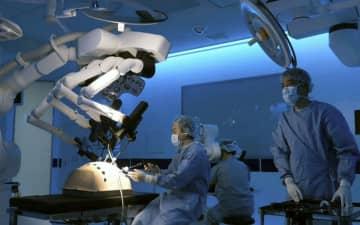 国産初の手術支援ロボット、神戸 メディカロイドが承認取得 画像1