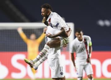 パリSG、劇的逆転で4強 サッカー欧州CL準々決勝 画像1