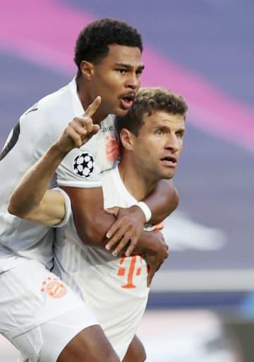 Bミュンヘンがバルサ下す 8ゴール大勝、サッカー欧州CL 画像1