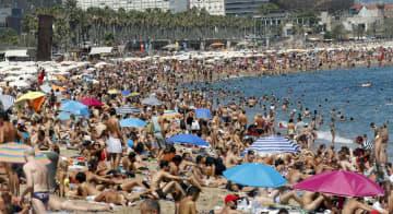 欧州で感染再拡大の兆し バカンス、経済再開で 画像1