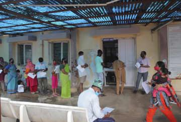 インド、コロナ感染300万人超 1週間で45万人は世界最多 画像1