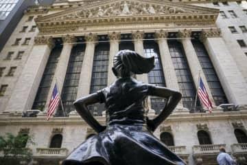 NY株反発、83ドル高 米金融緩和強化に期待 画像1