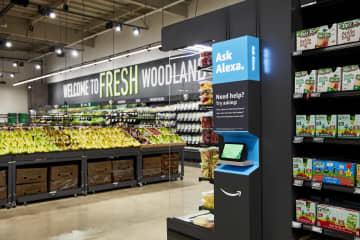 アマゾン、新たな食品店 ハイテクカートで買い物 画像1