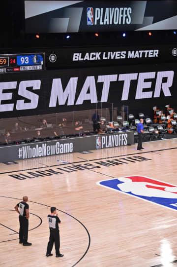米スポーツ界で延期相次ぐ 黒人男性銃撃事件に抗議 画像1