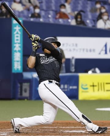 オ3―5ロ(28日) ロッテ、3本塁打で5得点 画像1