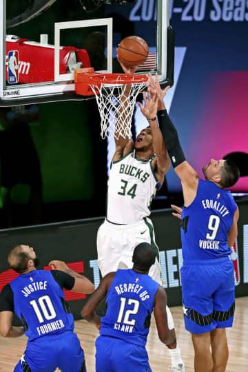 NBA東西第1シードが準決勝へ 米バスケのプレーオフ 画像1