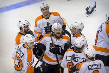 NHL、東西ともに3勝3敗 プレーオフ、7回戦制の準決勝 画像1