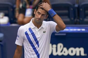 全米テニスでジョコビッチ失格 線審にボール当て「規則違反」 画像1