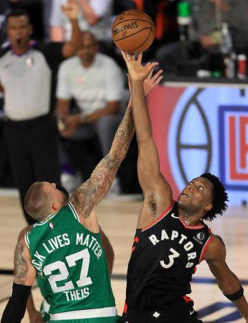 NBA、ラプターズ競り勝ちタイ プレーオフ準決勝 画像1