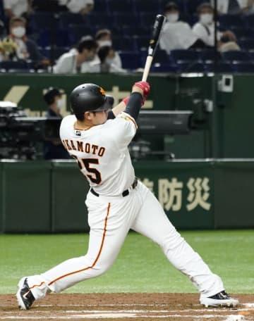 巨5―4ヤ(12日) 巨人の岡本が2本塁打 画像1