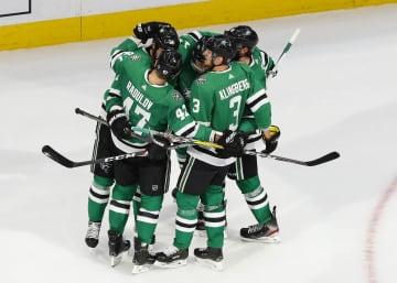 NHLスターズが3勝目 プレーオフ西カンファ決勝 画像1