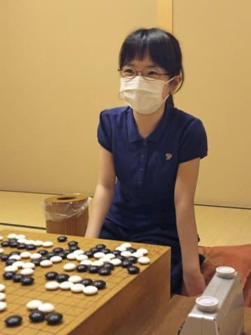 囲碁、仲邑菫初段が若鯉戦本戦へ 初の1日3勝「うれしかった」 画像1