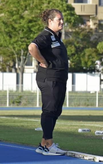 サッカー天皇杯に異例女性指導者 鈴鹿のマルティネス監督 画像1