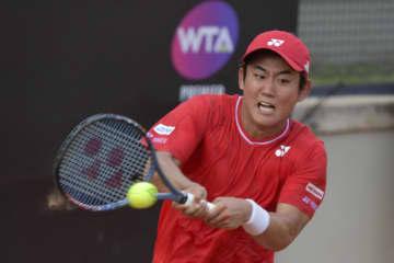 西岡がツアー再開後初勝利 テニスのイタリア国際 画像1