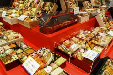 関西で「おせち商戦」始まる 近鉄百貨店本店、コロナ対策徹底 画像1