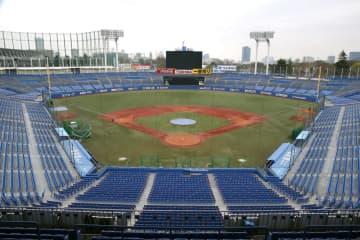 法大と早大勝つ、東京六大学野球 秋季リーグ開幕、神宮球場 画像1