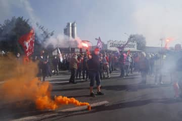 仏、ブリヂストン閉鎖に猛反発 タイヤ工場、政治問題に発展 画像1