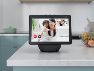 画面回転AIスピーカー、新発売 アマゾン、室内用ドローンも 画像1