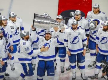 NHL、ライトニングが2度目V スタンリー杯決勝、スターズ下し 画像1